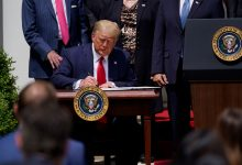 Photo of پرېزىدېنت دونالد ترامپ «ئۇيغۇر كىشىلىك ھوقۇق سىياسىتى قانۇنى» غا ئىمزا قويدى